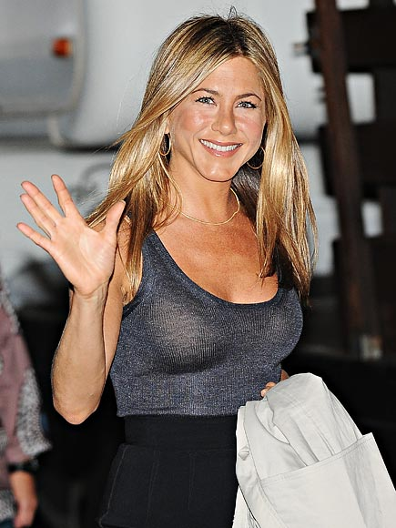 DOING THE WAVE photo | Jennifer Aniston