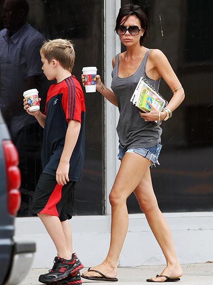 CASUALLY POSH photo | Victoria Beckham