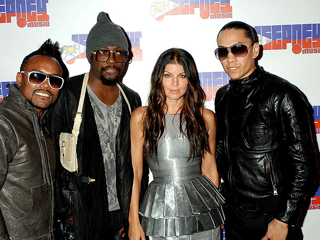 BAND STAND photo | Black Eyed Peas, Apl de Ap, Fergie, Taboo, Will I Am