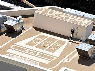Ashton Kutcher Spray Paints Vegas Casino Roof  Ashton Kutcher