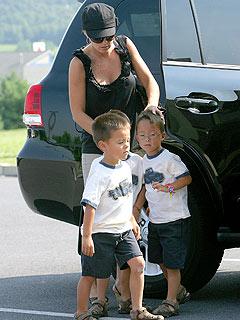 Jon & Kate Take the Kids on Separate Adventures