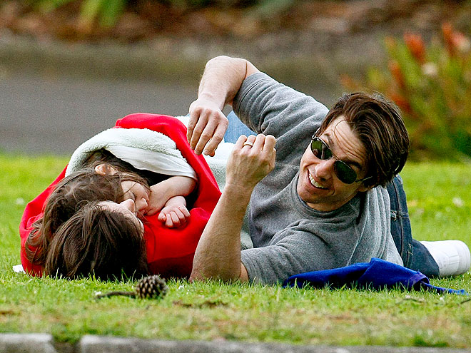 FAMILY FIELD DAY photo | Katie Holmes, Tom Cruise
