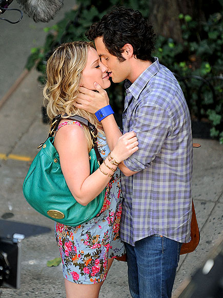 TENDER KISSES photo | Hilary Duff, Penn Badgley