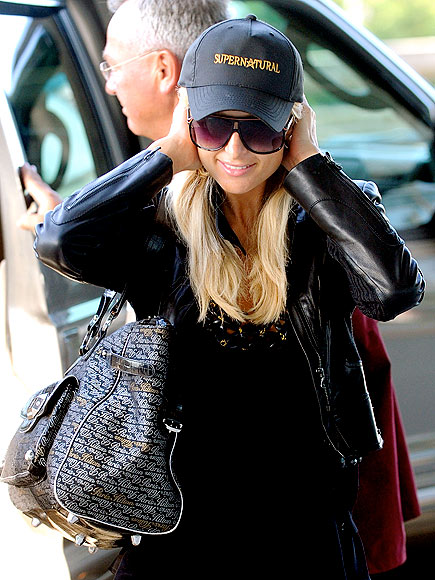 HAT HEAD photo | Paris Hilton