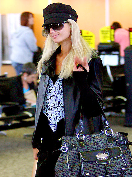 BOARDING PASSAGE photo | Paris Hilton