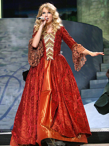 BELLE OF THE BALL photo | Taylor Swift