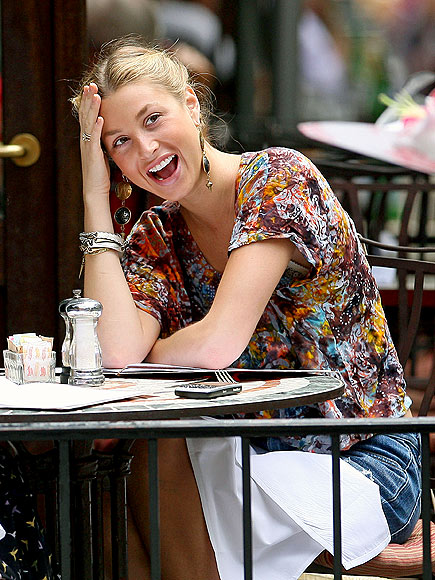 LUNCH BREAK photo | Whitney Port
