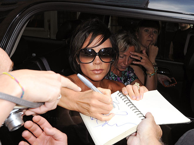 SIGN & DRIVE photo | Victoria Beckham
