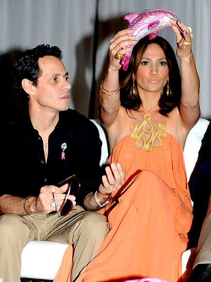 GOING SWIMMINGLY photo | Jennifer Lopez, Marc Anthony