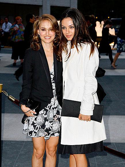 PAS DE DEUX photo | Mila Kunis, Natalie Portman