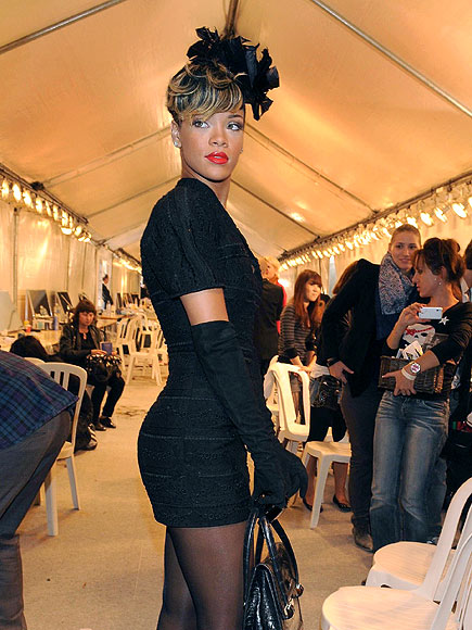 MODEL BEHAVIOR photo   Rihanna