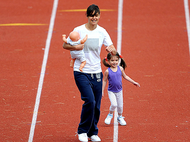 BORN TO RUN photo | Katie Holmes, Suri Cruise