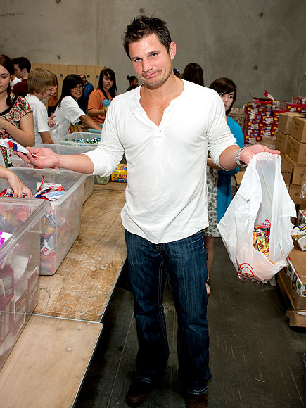 HUNGER AID photo | Nick Lachey