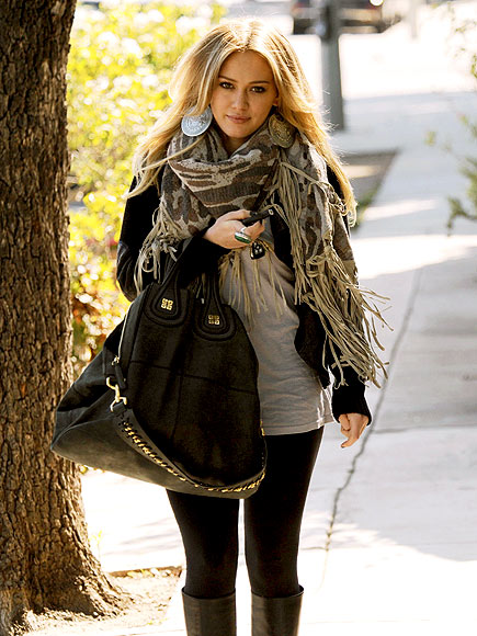 FRESH LOOK  photo | Hilary Duff
