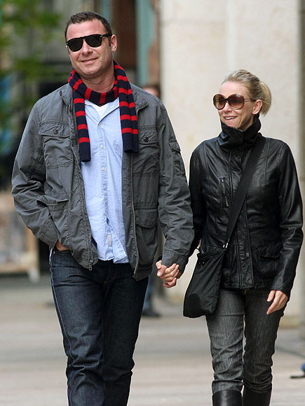 STEP BY STEP photo | Liev Schreiber, Naomi Watts