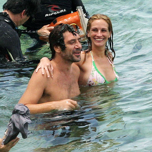 TESTING THE WATERS photo | Javier Bardem, Julia Roberts