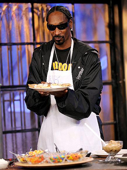 DOGGIE TREATS photo   Snoop Dogg