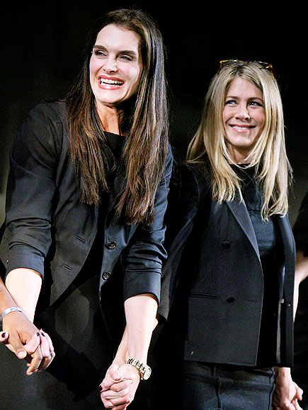 CURTAIN CALL photo | Brooke Shields, Jennifer Aniston