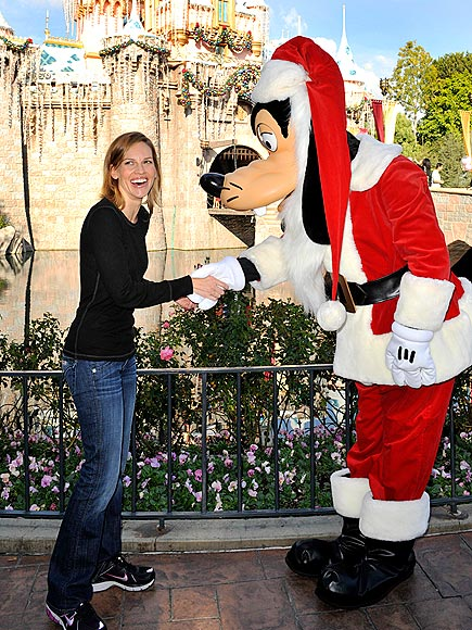 'GOOFY' GREETING photo | Hilary Swank