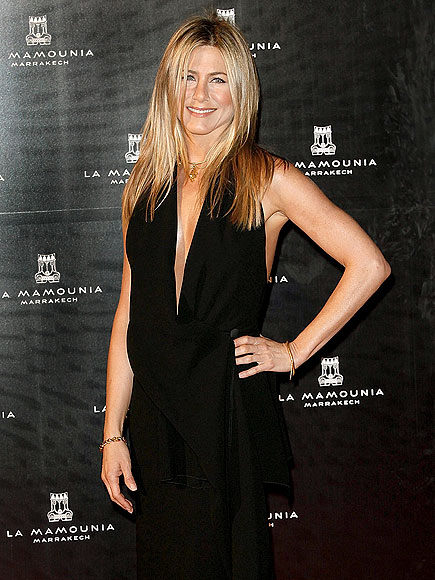 HOLIDAY OVERSEAS photo | Jennifer Aniston