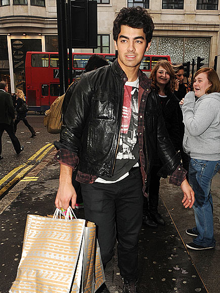 SHOP 'N STOP photo | Joe Jonas