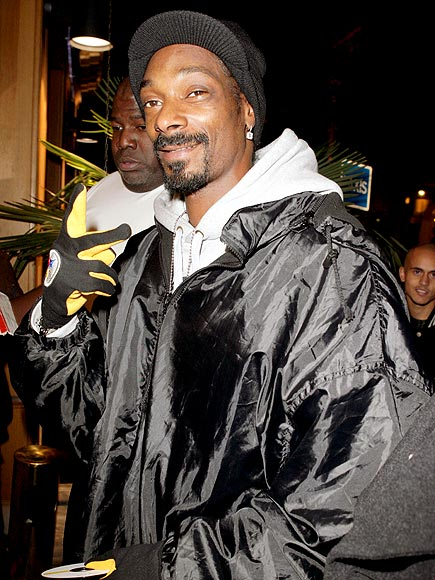 HAND IN GLOVE  photo | Snoop Dogg