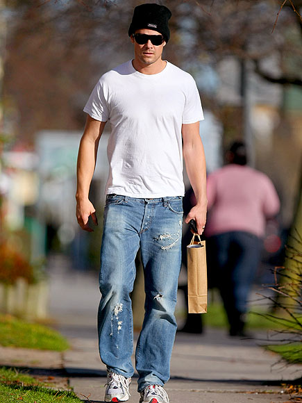 CASUAL THURSDAY photo | Josh Duhamel