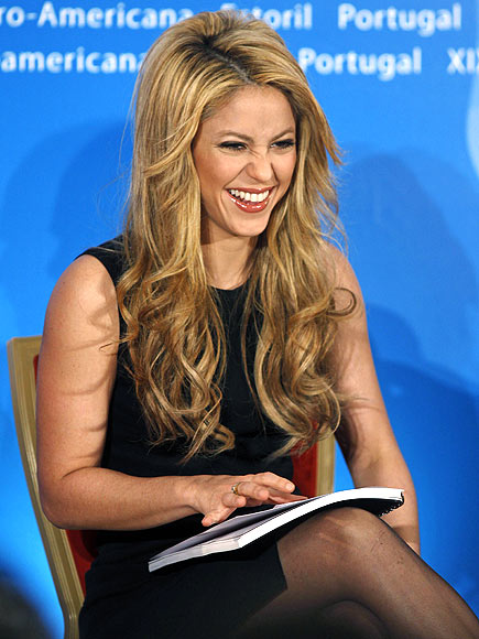 LAUGH FEST photo | Shakira