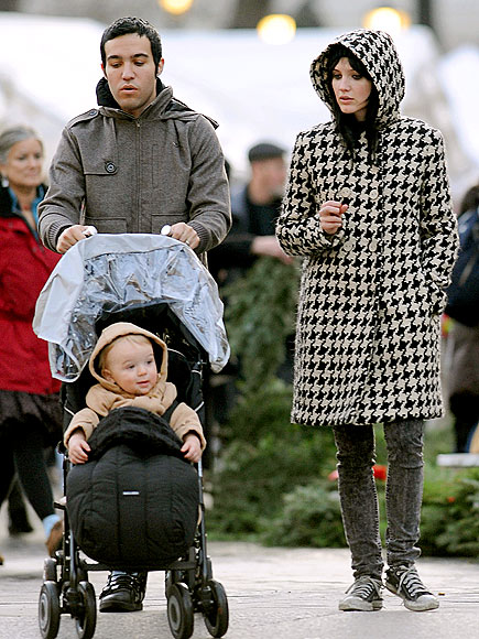 THE STROLLER SET photo | Ashlee Simpson, Pete Wentz
