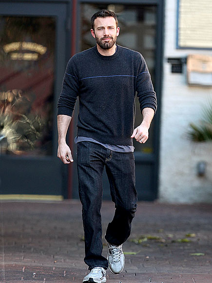 SUNNY STROLL photo | Ben Affleck