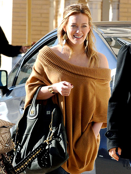 STREET CHIC photo | Hilary Duff