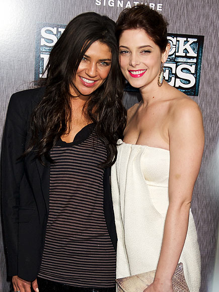 HEAD TO HEAD photo | Ashley Greene, Jessica Szohr