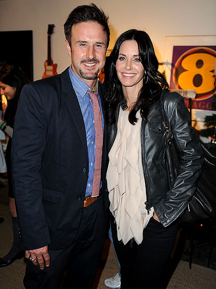CHARITABLE COUPLE photo | Courteney Cox, David Arquette