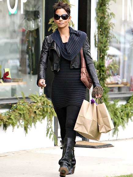 SHOP GIRL photo | Halle Berry