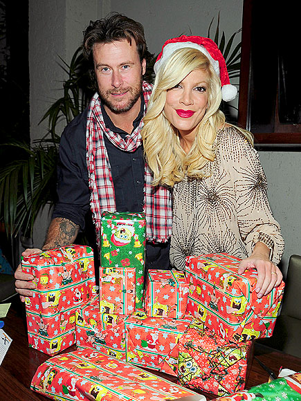 ALL WRAPPED UP photo | Dean McDermott, Tori Spelling