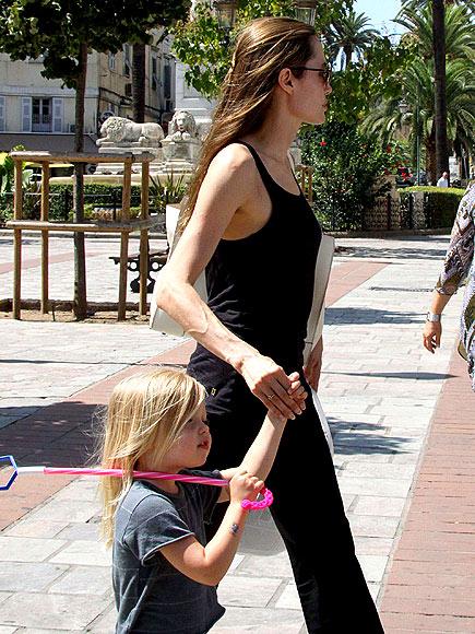 LES JOLIES FILLES  photo | Angelina Jolie