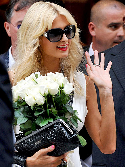 ROSE PARADE photo | Paris Hilton