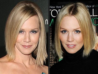 Jennie Garth wearing her hair in a blonde short elegant hairstyle while