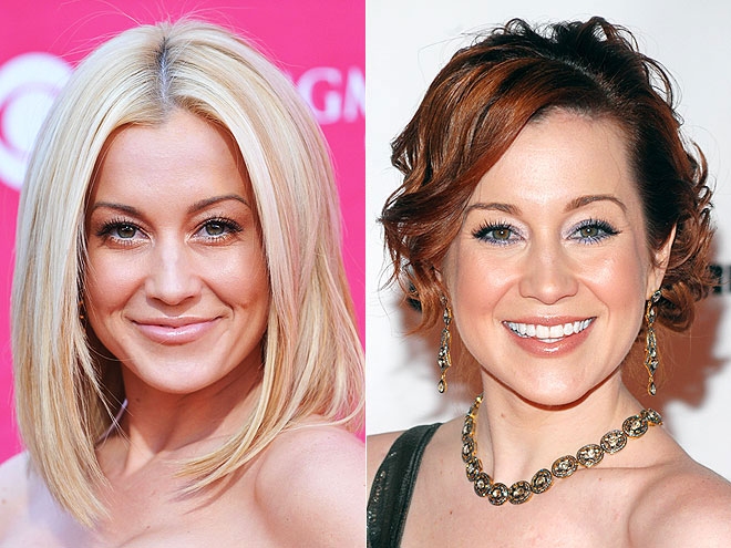 Kellie Pickler's Red Hot Hair Coloring At CMA Awards