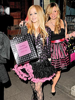 avril lavigne black star dress