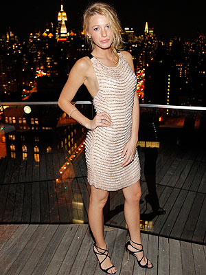 blake lively dress in gossip girl. Blake Lively#39;s Fashion-Filled