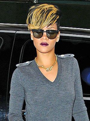 rihanna hair colour. Rihanna Goes Blonde: Love It
