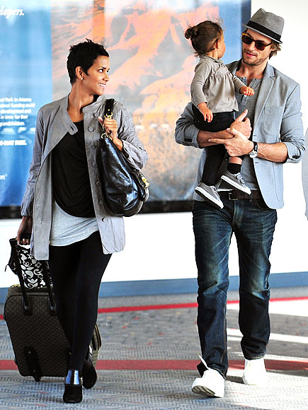 HALLE BERRY photo | Airport Style, Gabriel Aubry, Halle Berry