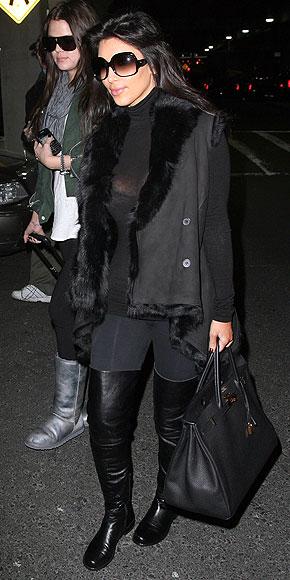 KIM & KHLOE KARDASHIAN photo | Kim Kardashian