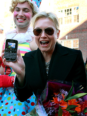 BLACKBERRY BOLD photo | Renee Zellweger