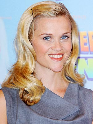PIN-UP GIRL photo | Reese Witherspoon