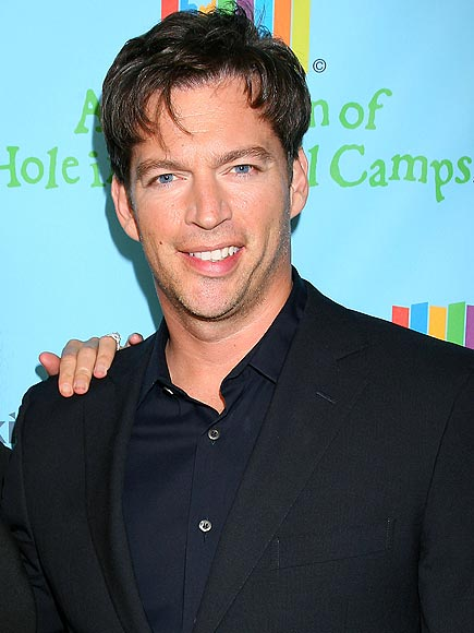 APPLAUSE-WORTHY HAIR photo | Harry Connick Jr.