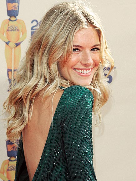 SLEEP ON IT photo | Sienna Miller