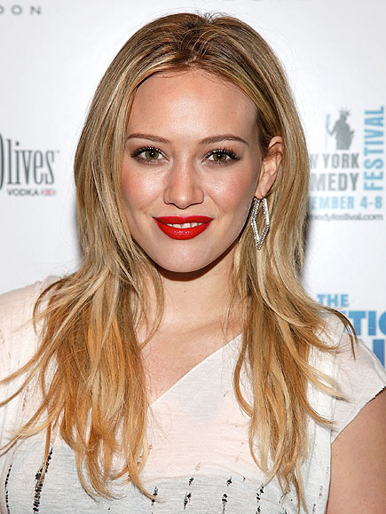 MATTE RED LIPSTICK photo | Hilary Duff