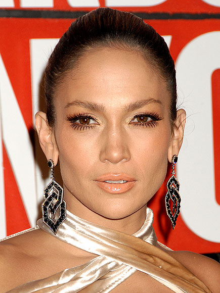 METALLIC SHADOW photo | Jennifer Lopez
